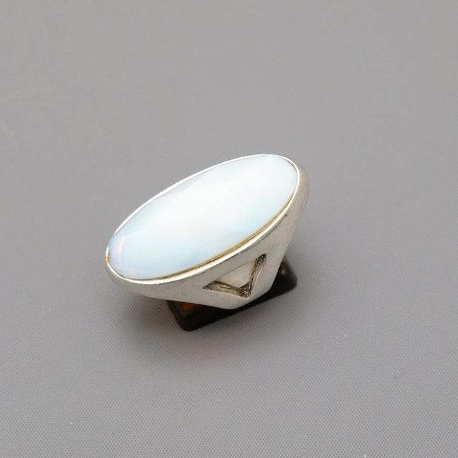 WHITE AGATE SILVER RING