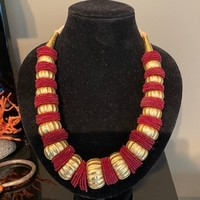 COLLIER OR NEPAL