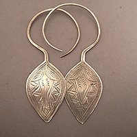 EARRINGS1JANVIER8.T.052
