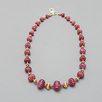 GOLD AND RUBIES NECKLACE